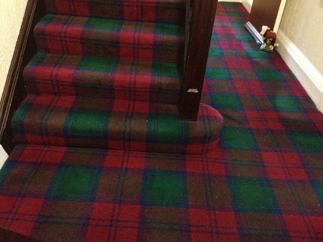 Schottland im Juli 2012: Clanfarben auf dem Boden
