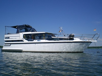 mym_yacht