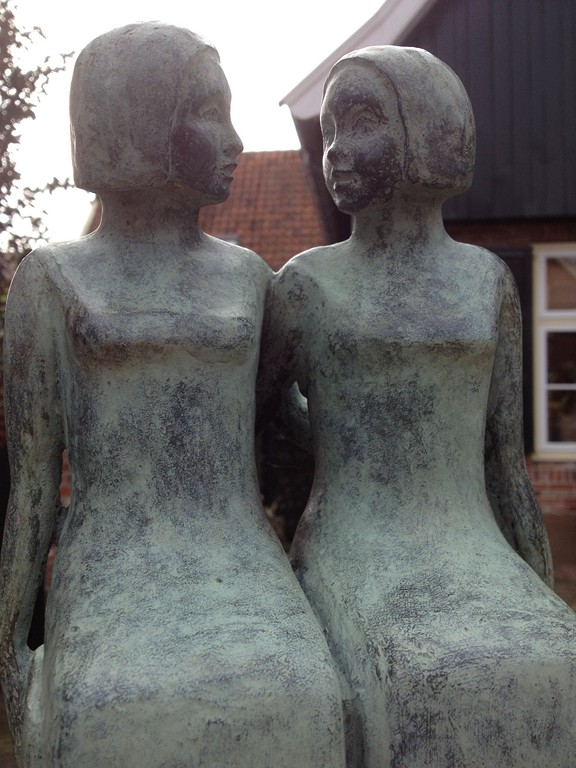 skulptur frauen
